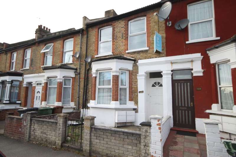 2 Bedrooms Flat for sale in Claude Road, Leyton, London, E10
