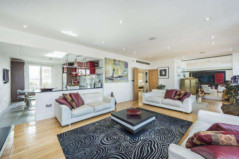 3 Bedrooms Apartment Flat for sale in Stunning Three Bedroom Penthouse Apartment with Large Roof Terrace