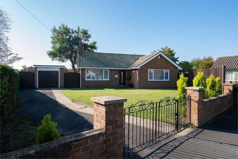 3 Bedrooms Detached Bungalow for sale in Coningsby Close, Boston, Lincolnshire