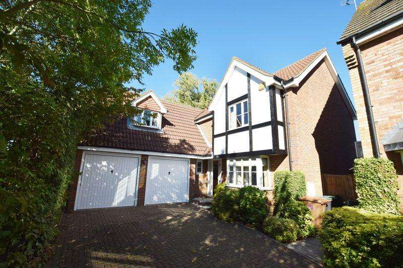 5 Bedrooms Detached House for sale in Dowding Way, Watford, Watford, WD25