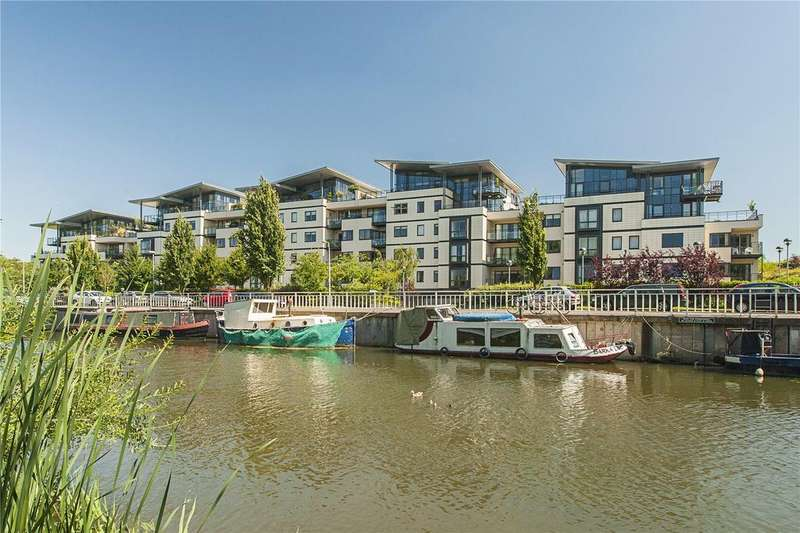 3 Bedrooms Flat for sale in Riverside Place, Cambridge, CB5