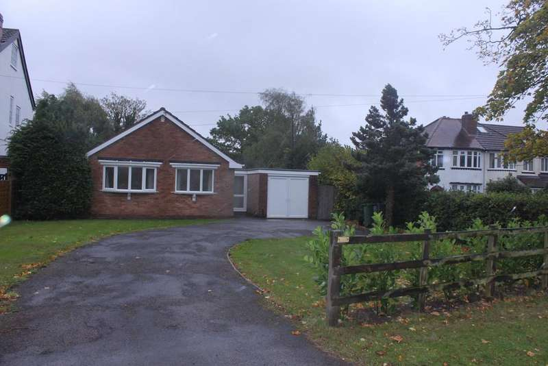 3 Bedrooms Detached Bungalow for sale in Middle Lane, Headley Heath