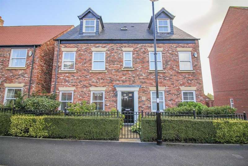 6 Bedrooms Town House for sale in Netherwitton Way, Newcastle Upon Tyne