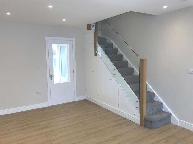 3 Bedrooms End Of Terrace House for sale in Spring Hill, Kingswood, Bristol, BS15 1XT