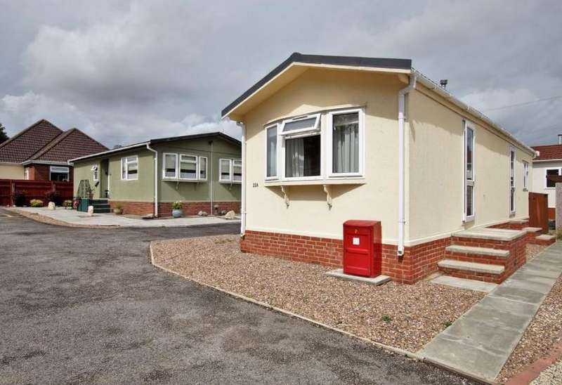 2 Bedrooms Mobile Home for sale in Stone Valley Court, Lincoln