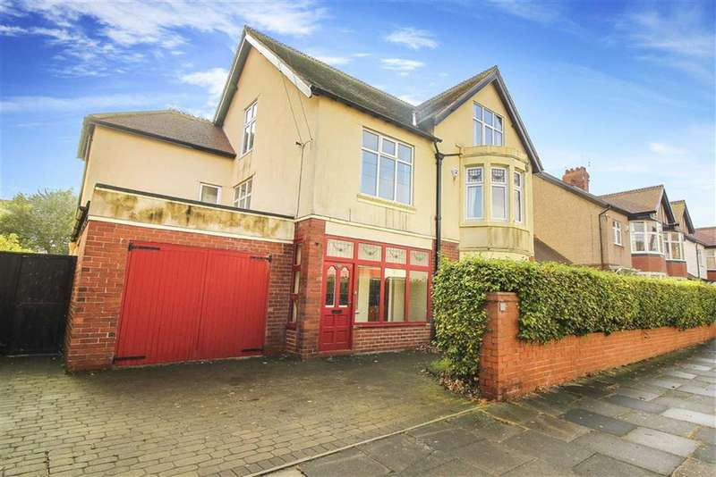 5 Bedrooms Detached House for sale in Davison Avenue, Whitley Bay, Tyne And Wear