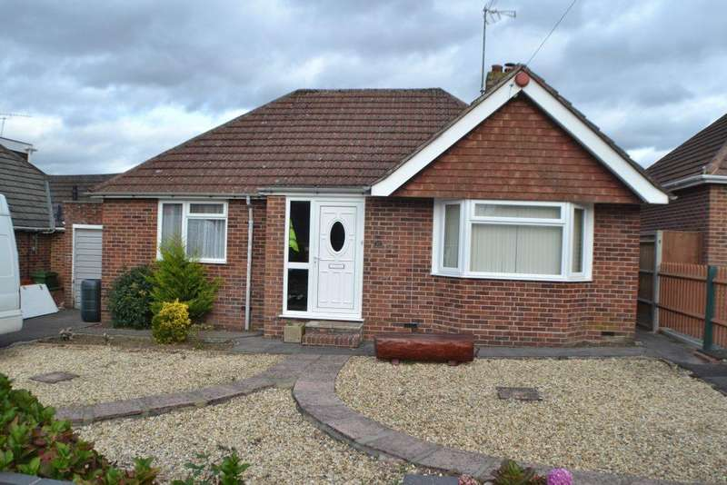 2 Bedrooms Detached Bungalow for sale in Paddock Road Newbury
