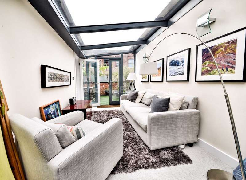 4 Bedrooms Town House for sale in River Street, Manchester, M1 5BG