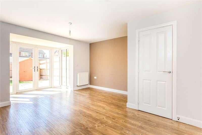 3 Bedrooms Mews House for sale in Denman Drive, Newbury, Berkshire, RG14