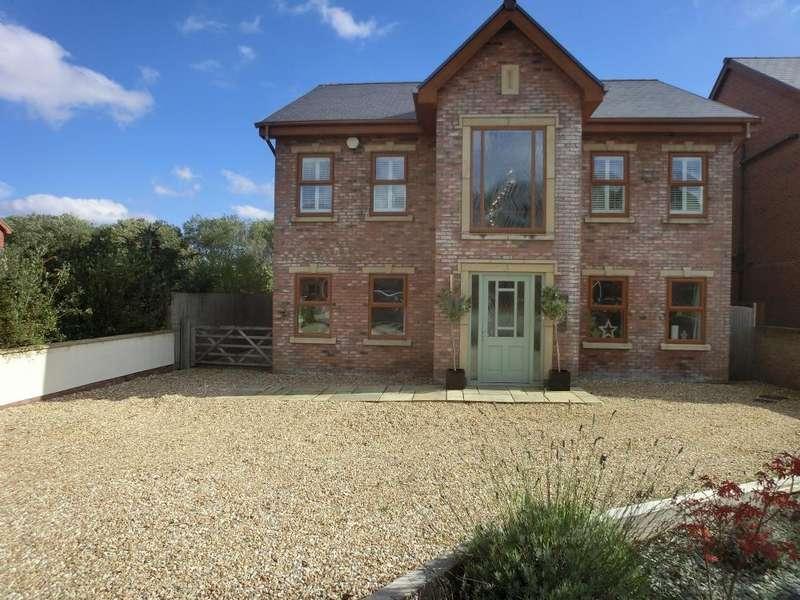 5 Bedrooms Detached House for sale in Aberllwchwr, Llangennech, Llanelli. SA14 8AH
