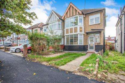 3 Bedrooms Semi Detached House for sale in Evelyn Avenue, Kingsbury, London, United Kingdom