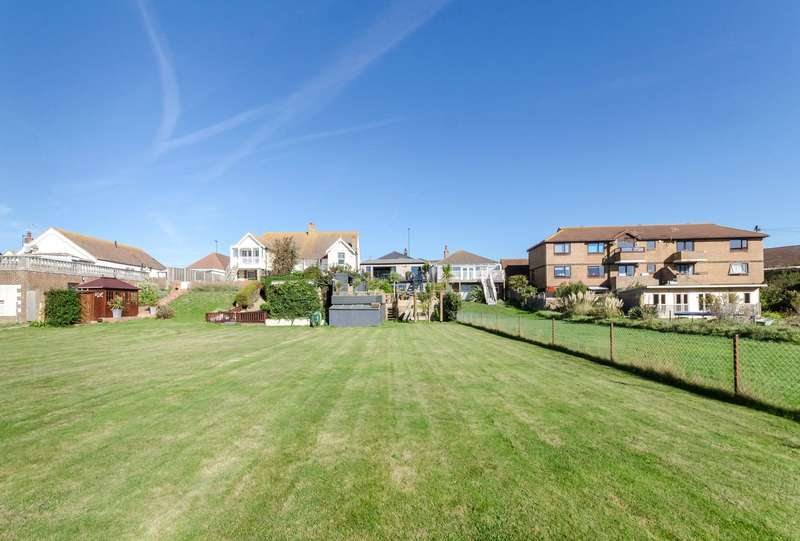 4 Bedrooms Detached House for sale in Brighton Road, Lancing, West Sussex, BN15