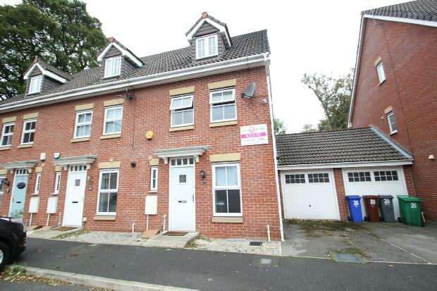 3 Bedrooms Town House for sale in Edgecote Close, Manchester
