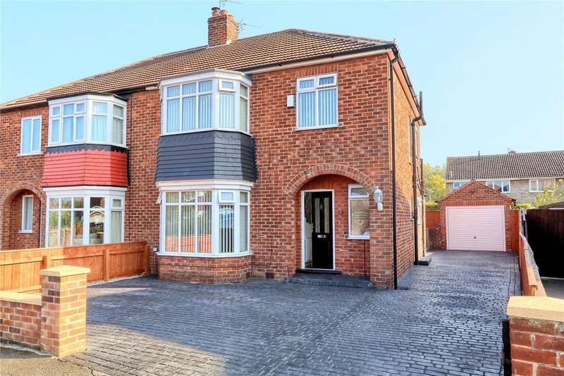 3 Bedrooms Semi Detached House for sale in Captain Cooks Crescent, Marton