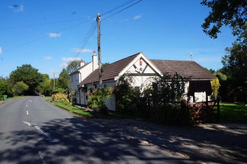 3 Bedrooms Detached House for sale in Alcester Road, Portway