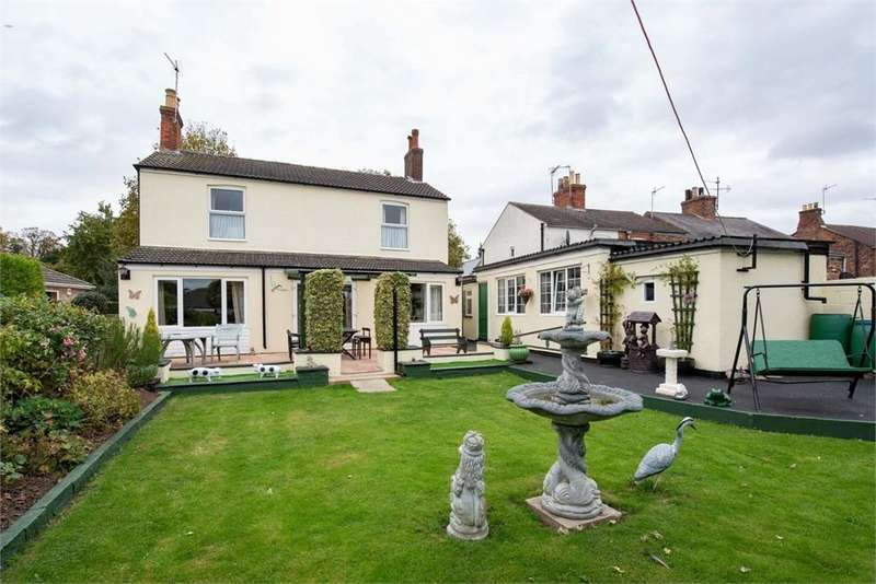 3 Bedrooms Detached House for sale in Castle Street, Boston, Lincolnshire