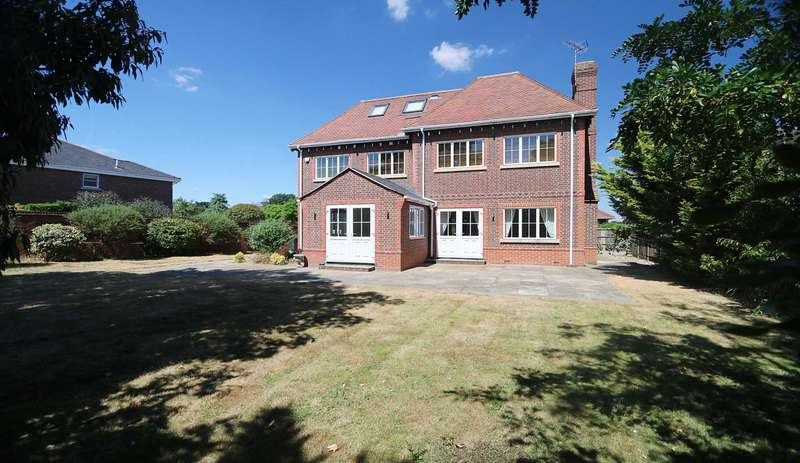 5 Bedrooms Detached House for sale in Upper Basildon, Berkshire