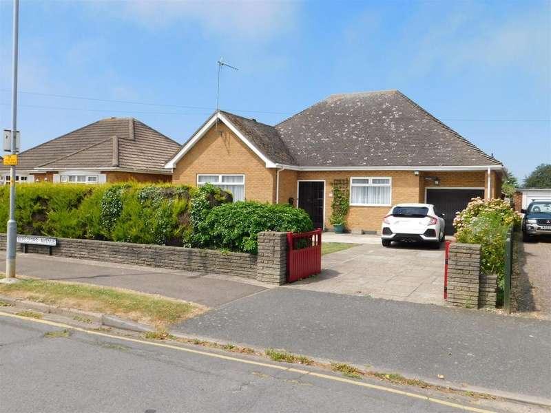 3 Bedrooms Detached Bungalow for sale in Beresford Avenue, Skegness, Lincs, PE25 3JQ