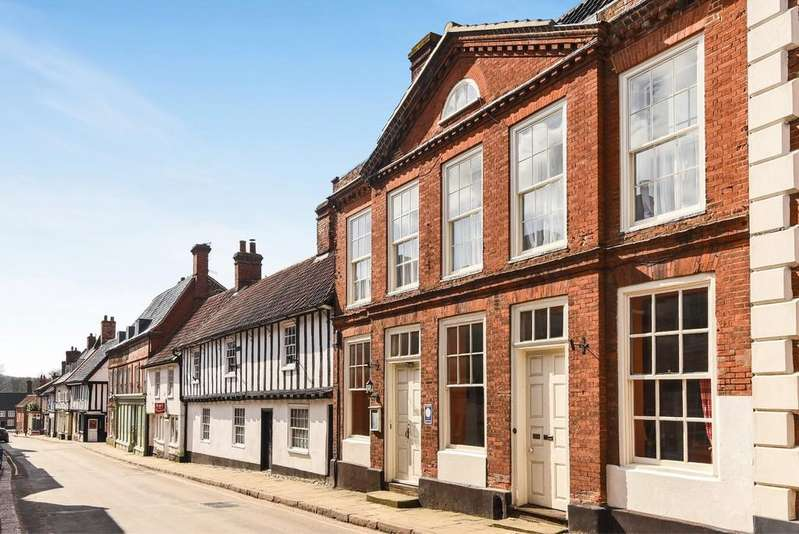 6 Bedrooms Terraced House for sale in Walsingham