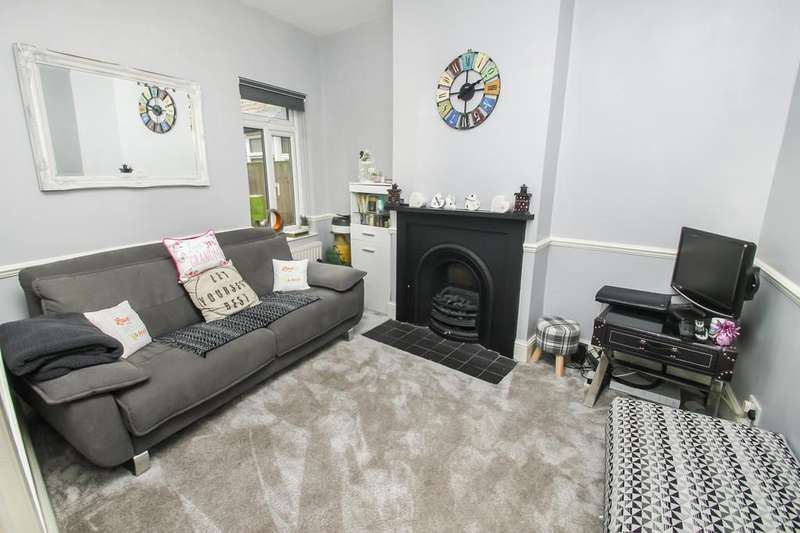 4 Bedrooms Terraced House for sale in Grove Road, Leytonstone, E11