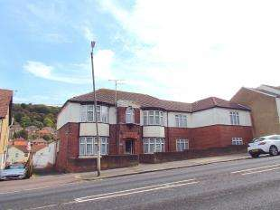 House for sale in Folkestone Road, Dover, Kent