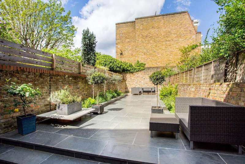 4 Bedrooms Terraced House for sale in Bow Road, E3