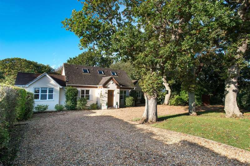 4 Bedrooms Detached House for sale in Milford Road, Barton On Sea, Hampshire, BH25 5PP