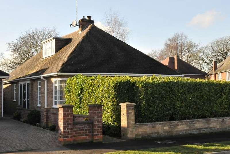 3 Bedrooms Detached Bungalow for sale in Gordon Way, Peterborough PE2