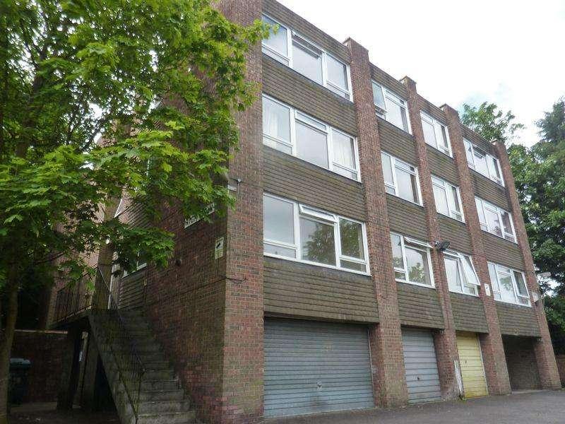 Studio Flat for sale in Eglinton Hill, Plumstead