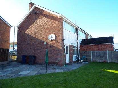 3 Bedrooms Semi Detached House for sale in Lodge Close, Bamber Bridge, Preston, Lancashire