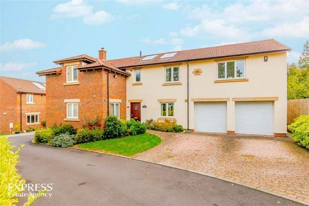 4 Bedrooms Detached House for sale in Applehayes Rise, Easton-in-Gordano, Bristol, Somerset