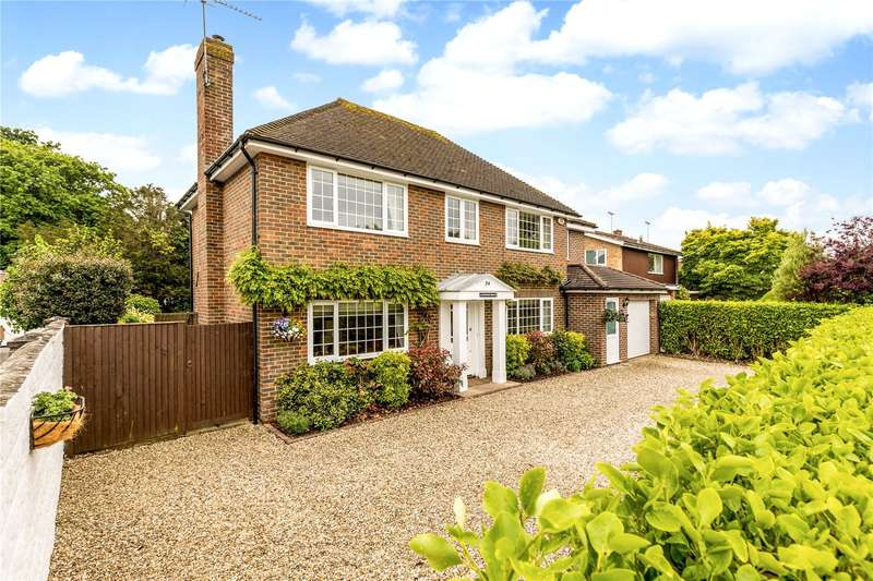 5 Bedrooms Detached House for sale in Kingsway, Craigweil Estate, Aldwick, West Sussex, PO21