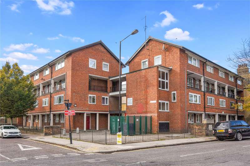 3 Bedrooms Flat for sale in Ratcliffe House, Barnes Street, London, E14