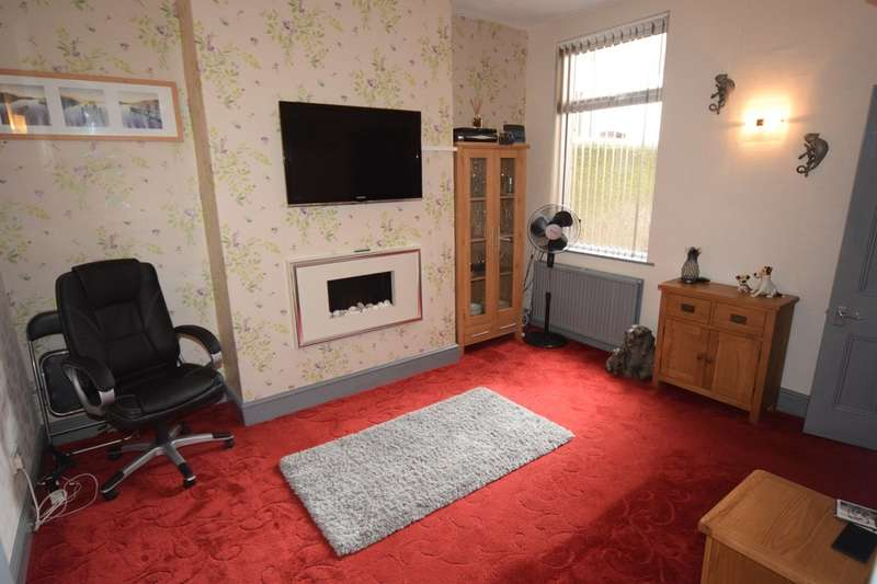 3 Bedrooms Terraced House for sale in Nelson Street, Barrow-in-Furness, Cumbria,LA14 5TB