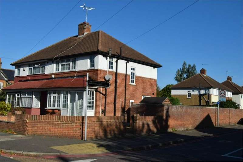 3 Bedrooms Semi Detached House for sale in Hampton Road West, Feltham, Greater London