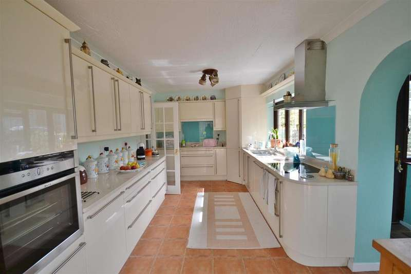 4 Bedrooms Land Commercial for sale in Nantycaws, Carmarthen
