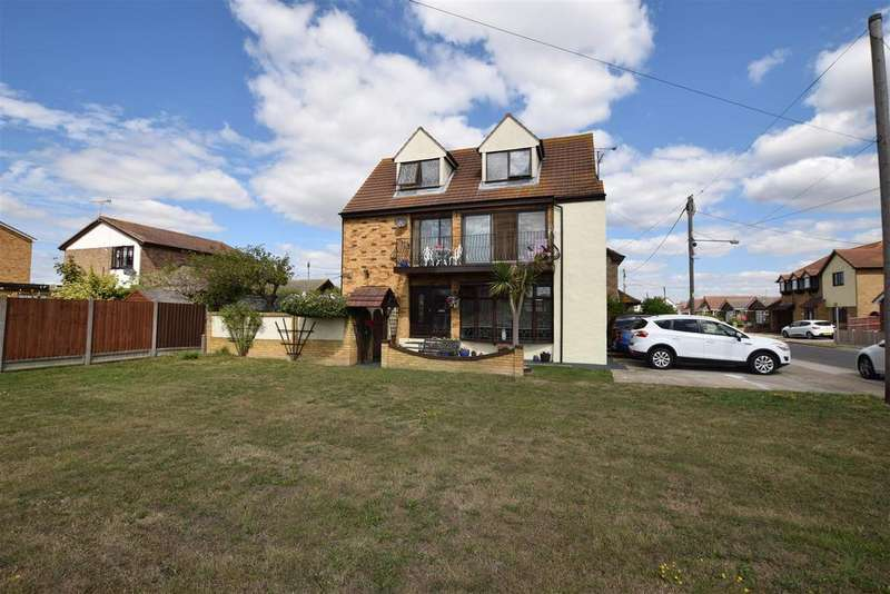 5 Bedrooms Detached House for sale in Margraten Avenue, Canvey Island