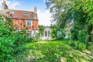 3 Bedrooms Semi Detached House for sale in Shortgate Lane, Laughton, Lewes, East Sussex