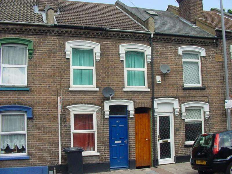 3 Bedrooms Terraced House for sale in North Street, Luton, Bedfordshire, LU2