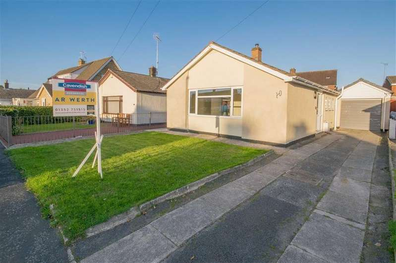 2 Bedrooms Detached Bungalow for sale in Ffordd Pennant, Mold