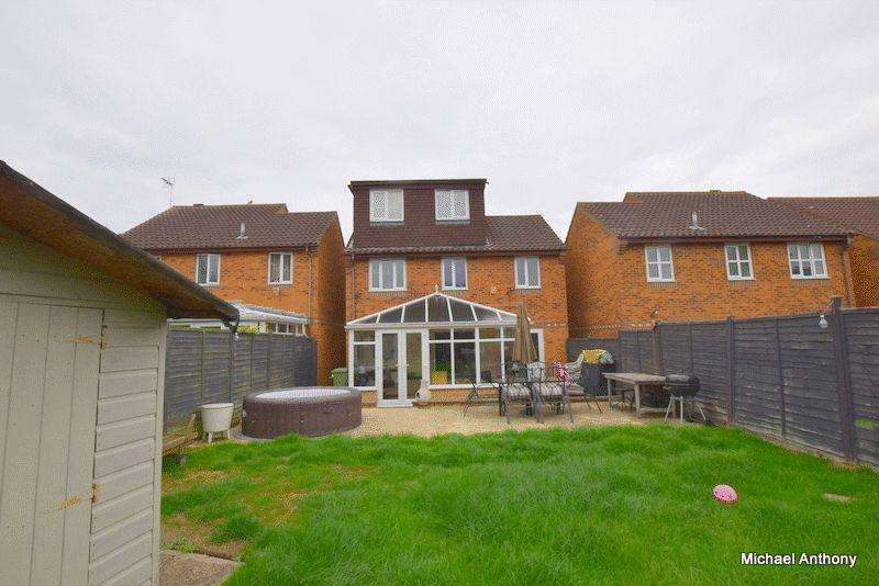 4 Bedrooms Detached House for sale in Camlet Grove, Stantonbury Fields, Milton Keynes