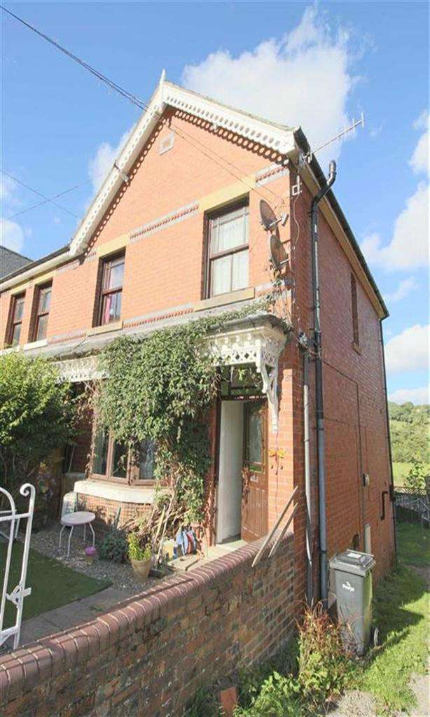 3 Bedrooms Semi Detached House for sale in Bronawel, High Street, Llanfyllin, Powys, SY22