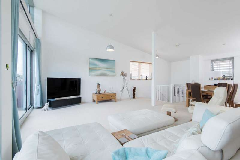 3 Bedrooms Penthouse Flat for sale in City View Penthouse