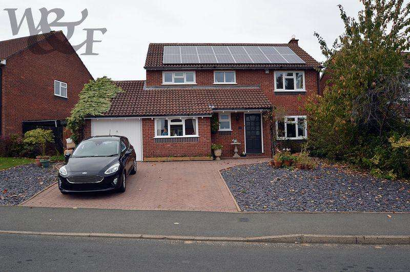 4 Bedrooms Detached House for sale in Fourlands Avenue, Sutton Coldfield