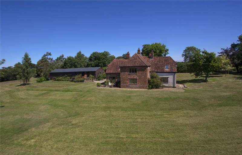 5 Bedrooms Detached House for sale in Middle Claydon, Buckingham