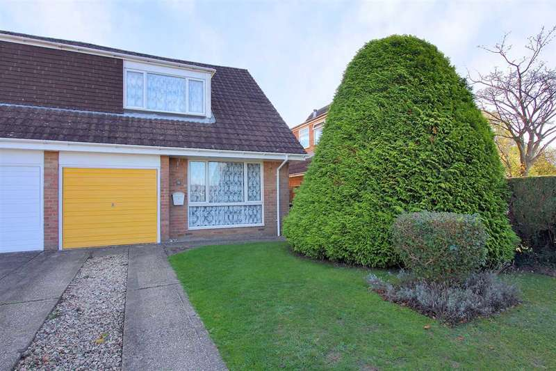 3 Bedrooms Semi Detached House for sale in Hunters Close, Oakley, Basingstoke