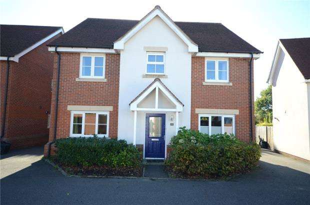 4 Bedrooms Detached House for sale in Wheatsheaf Close, Sindlesham, Wokingham