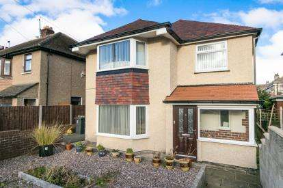 3 Bedrooms Detached House for sale in Rhuddlan Avenue, Llandudno, Conwy, LL30