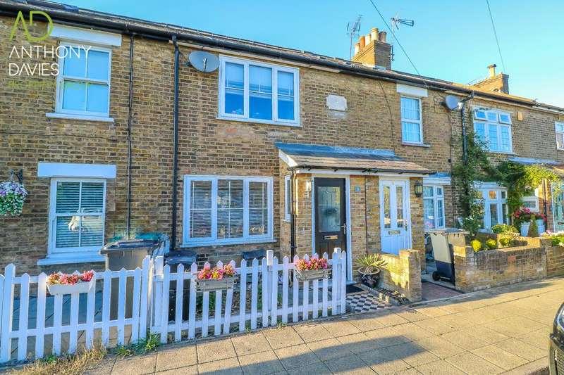 3 Bedrooms Terraced House for sale in Haward Road, Hoddesdon, EN11