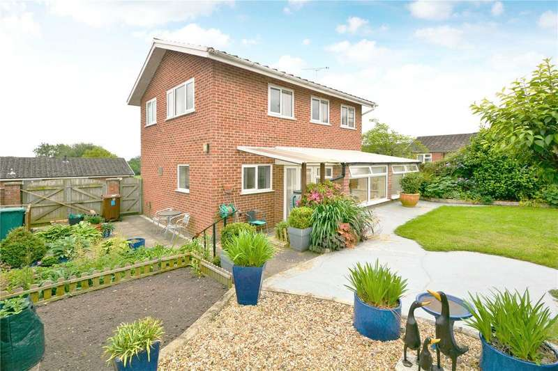 2 Bedrooms House for sale in Harts Close, Arborfield, Reading, Berkshire, RG2